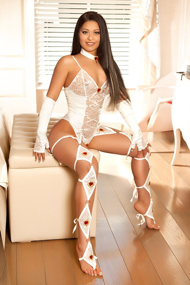 Patrica Gorgeous Slim and Slender Knightsbridge Escort in London
